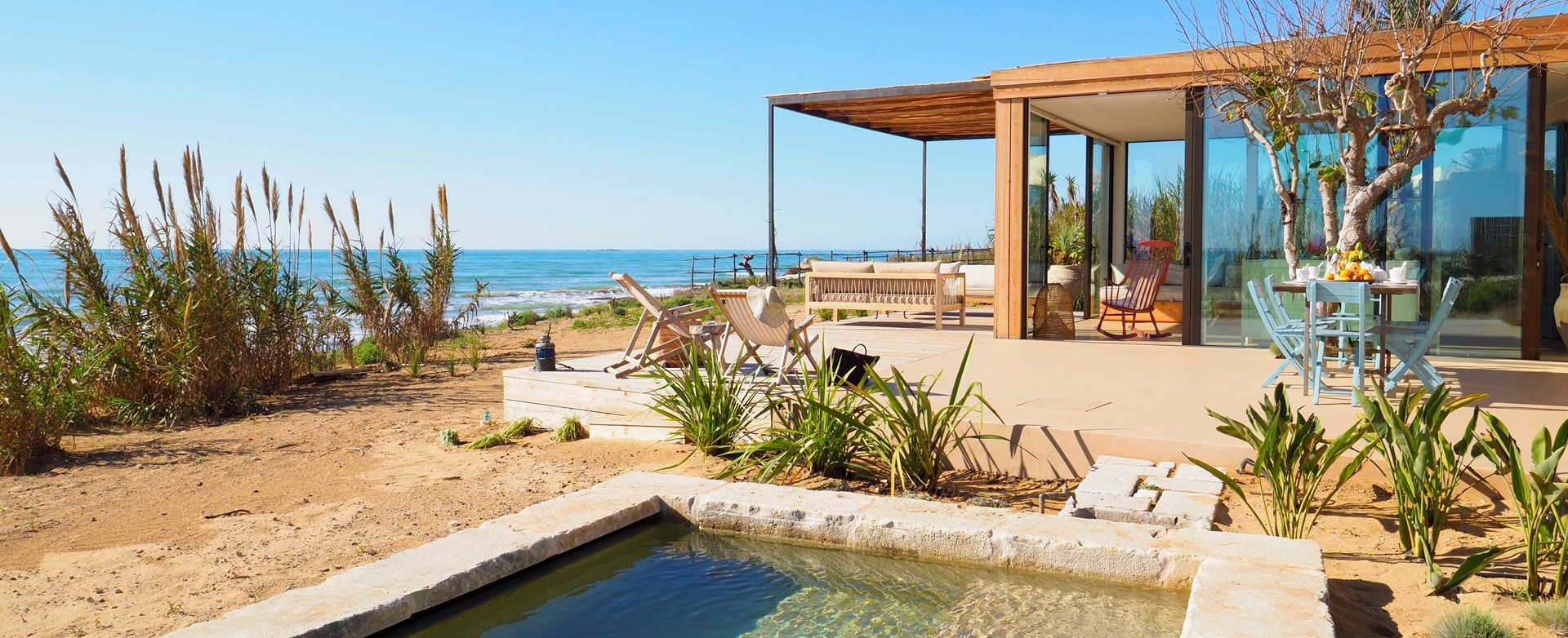 chic-2-bed-beach-house-sicily