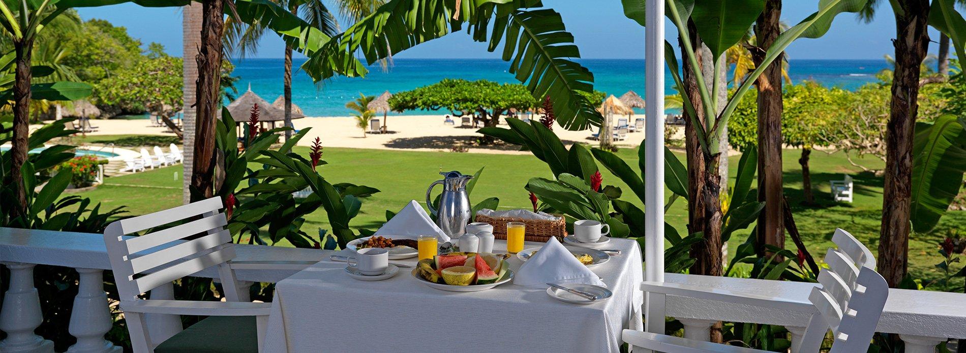 porch-breakfast-jamaica-inn
