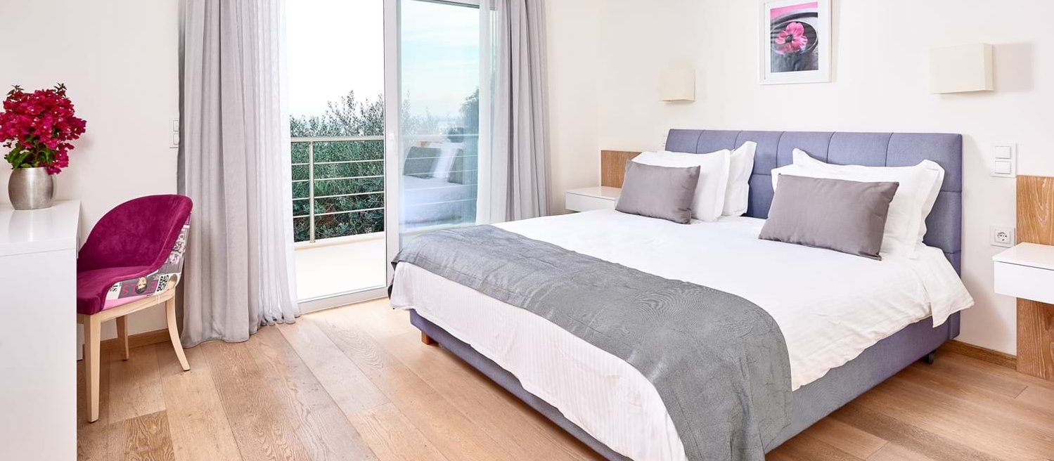 villa-penelope-double-bedroom-1