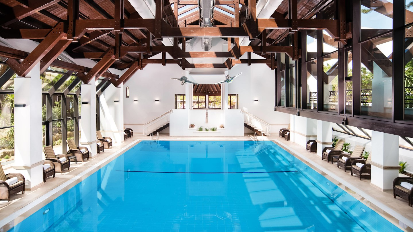 pine-cliffs-resort-indoor-spa-pool