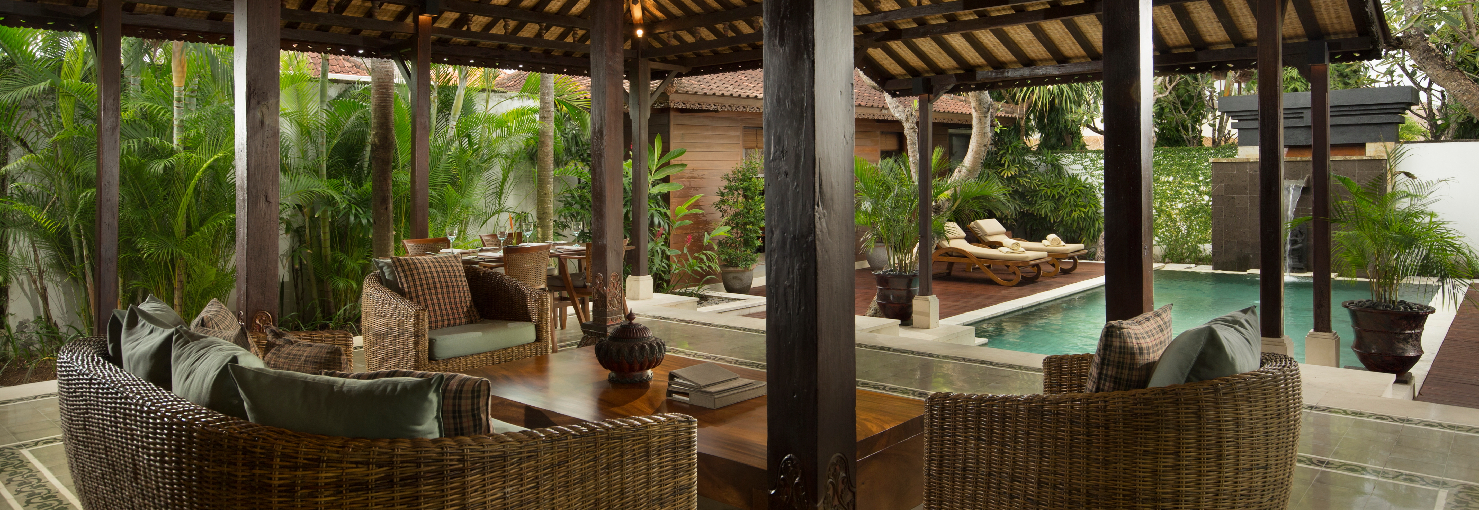 Legian-Joglo-Villa-lounge