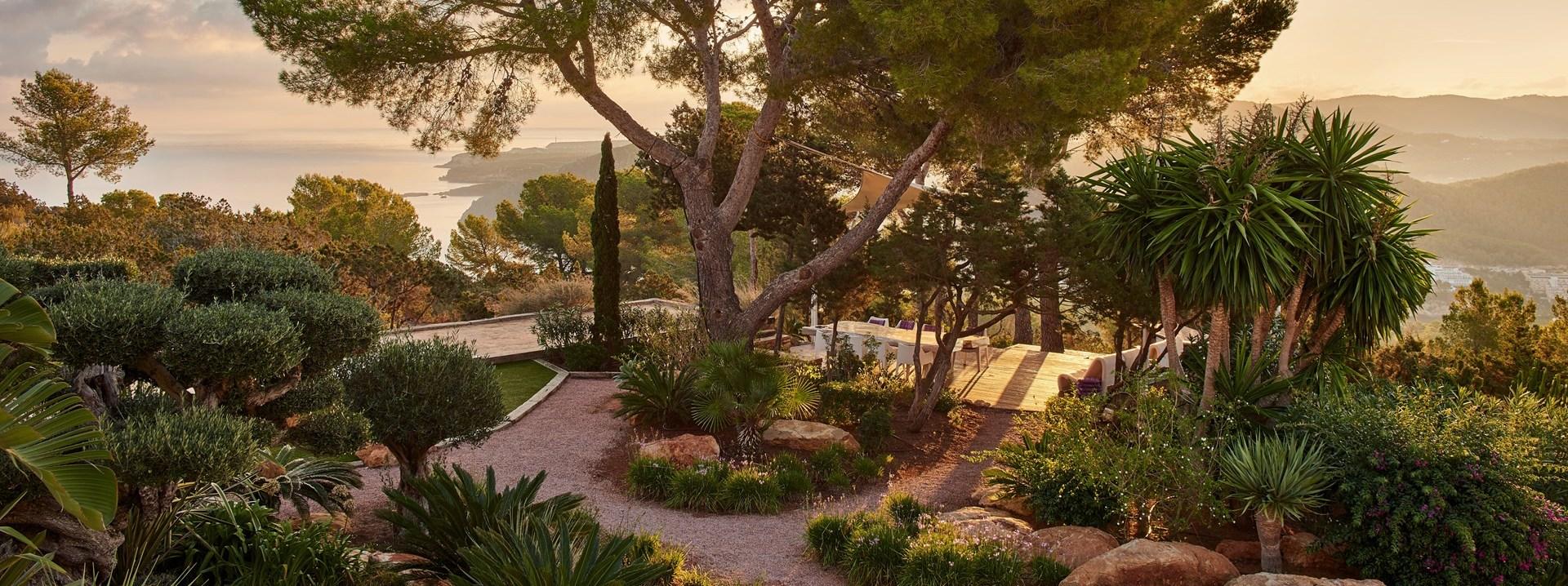 al-fresco-dining-sea-view-ibiza