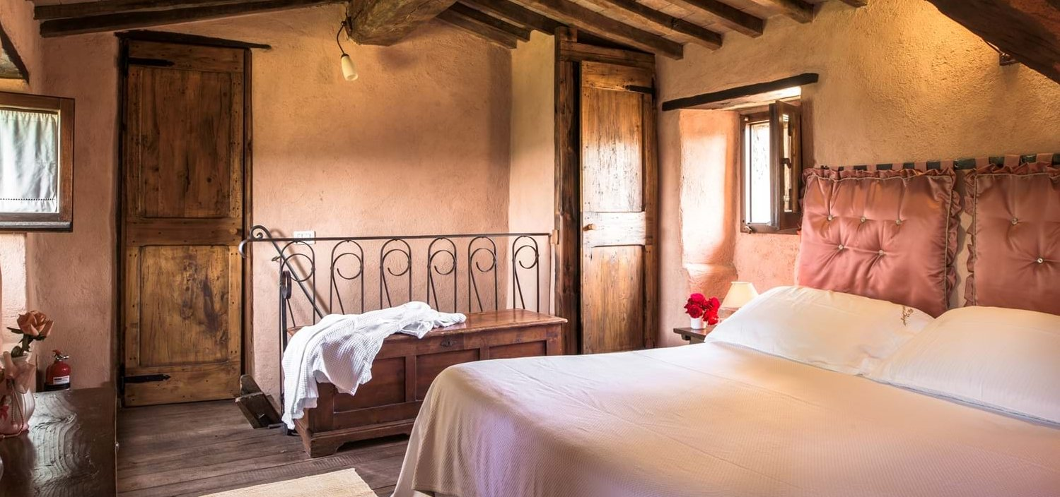 borgo-san-biagio-double-bedroom-5