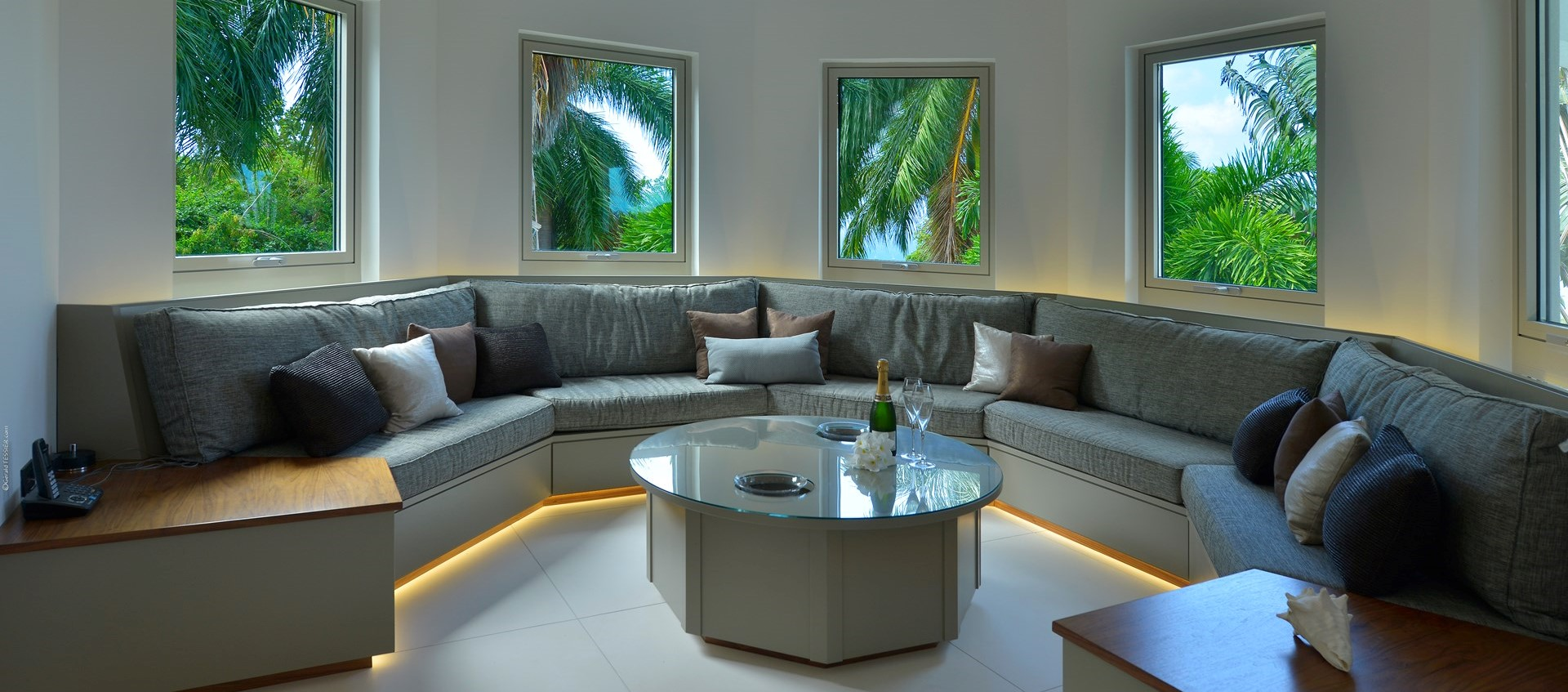 retreat-villa-nevis-lounge