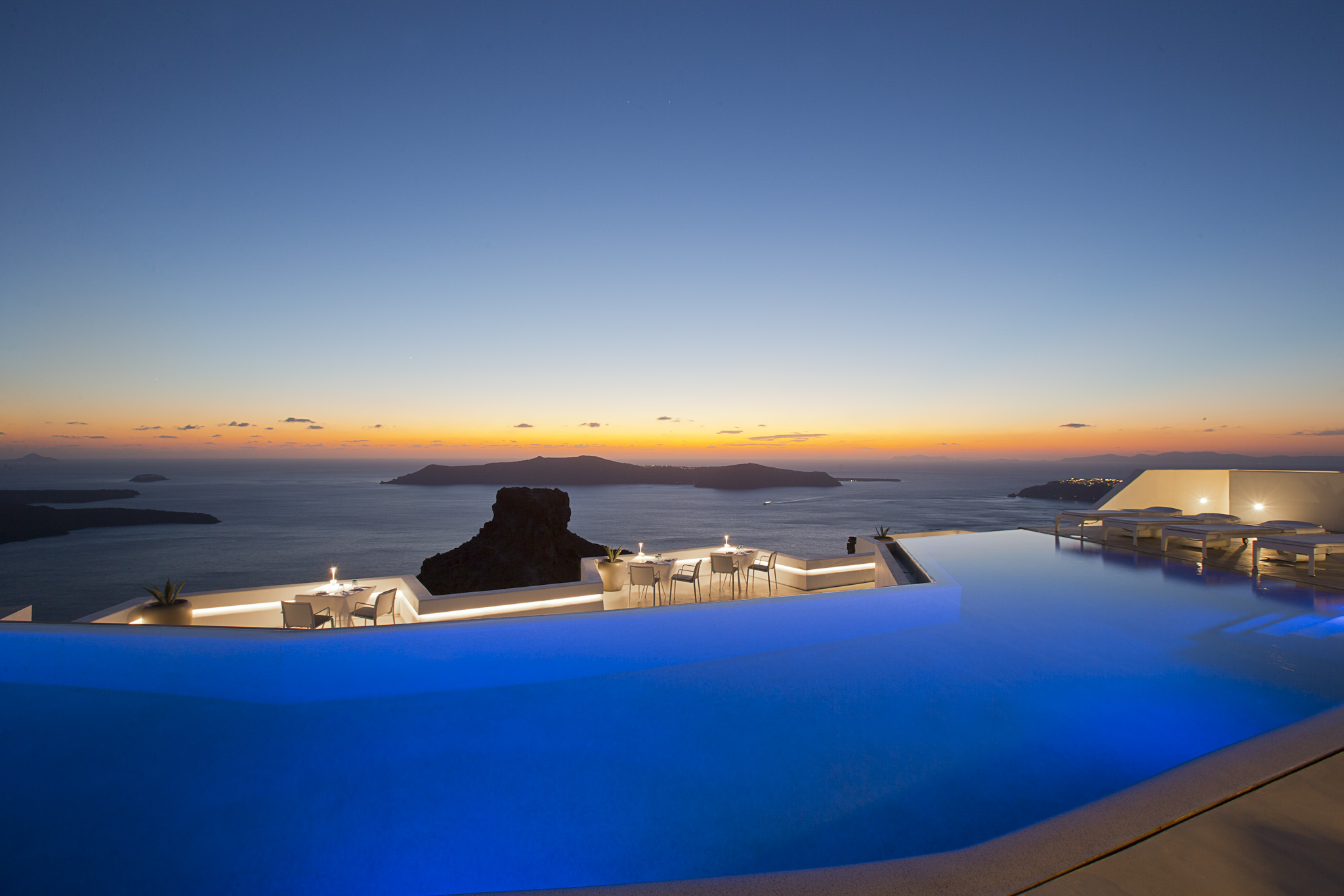 grace-santorini-luxury-holiday