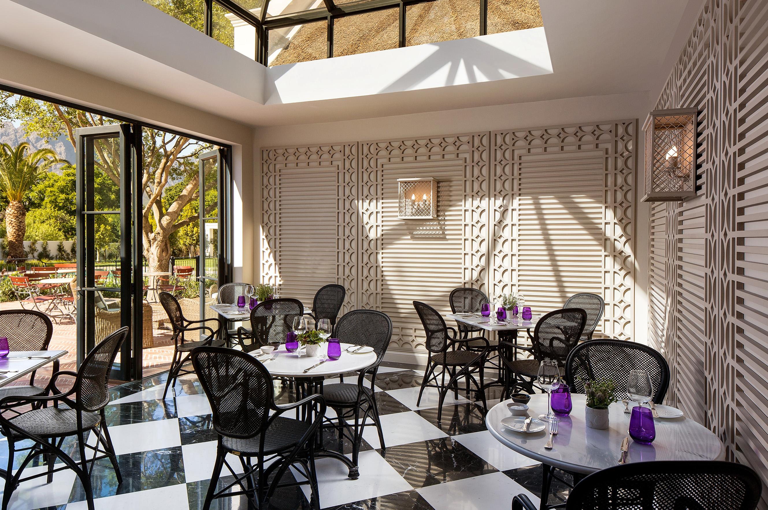 conservatory-restaurant-leeu-house