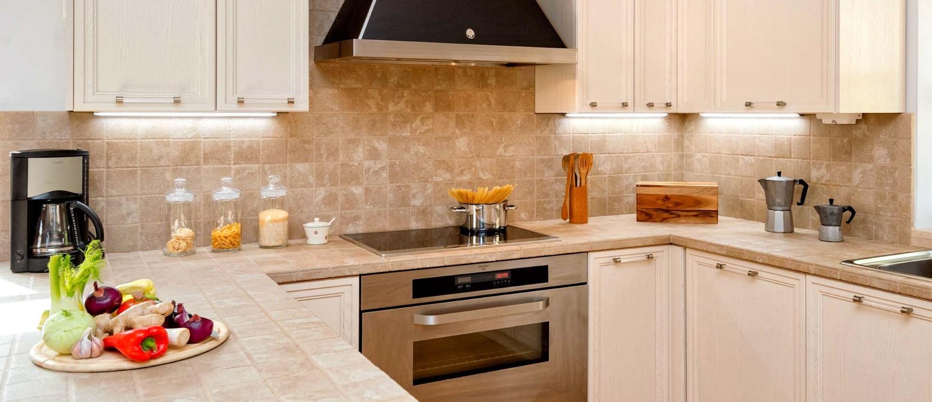 hvar-house-family-villa-kitchen