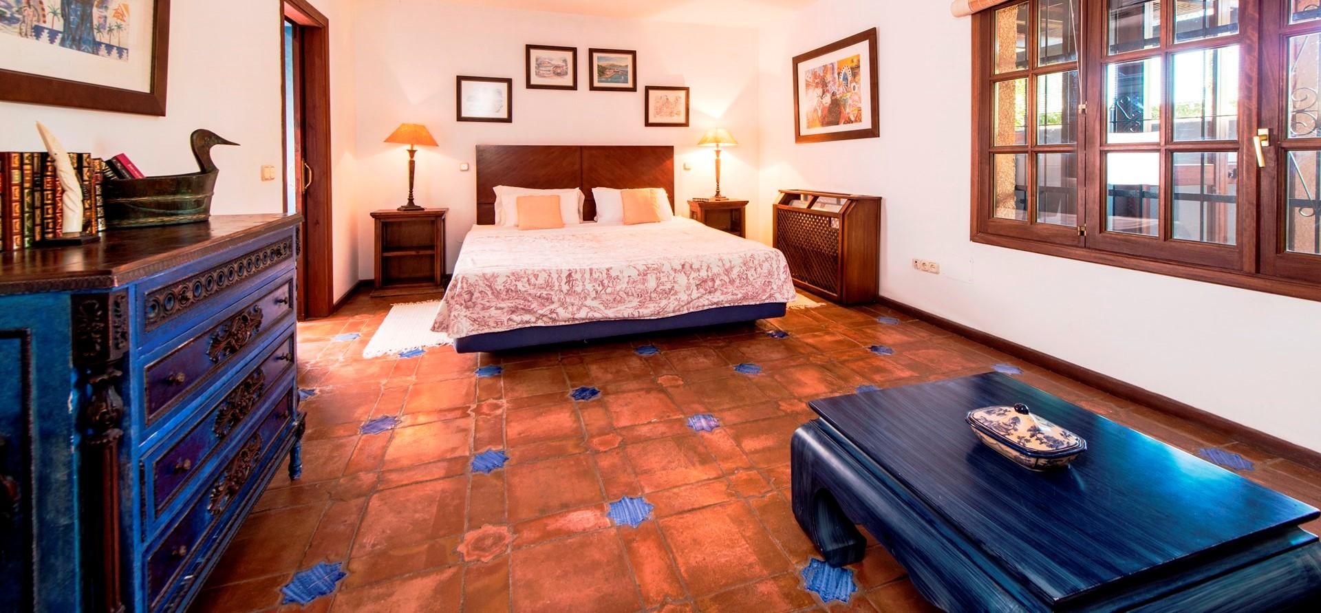 villa-marbella-casita-double-bedroom