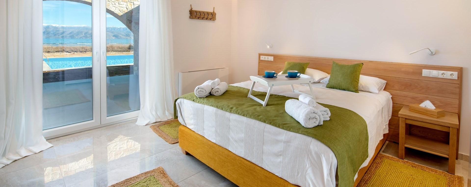 nero-beach-house-double-bedroom-2
