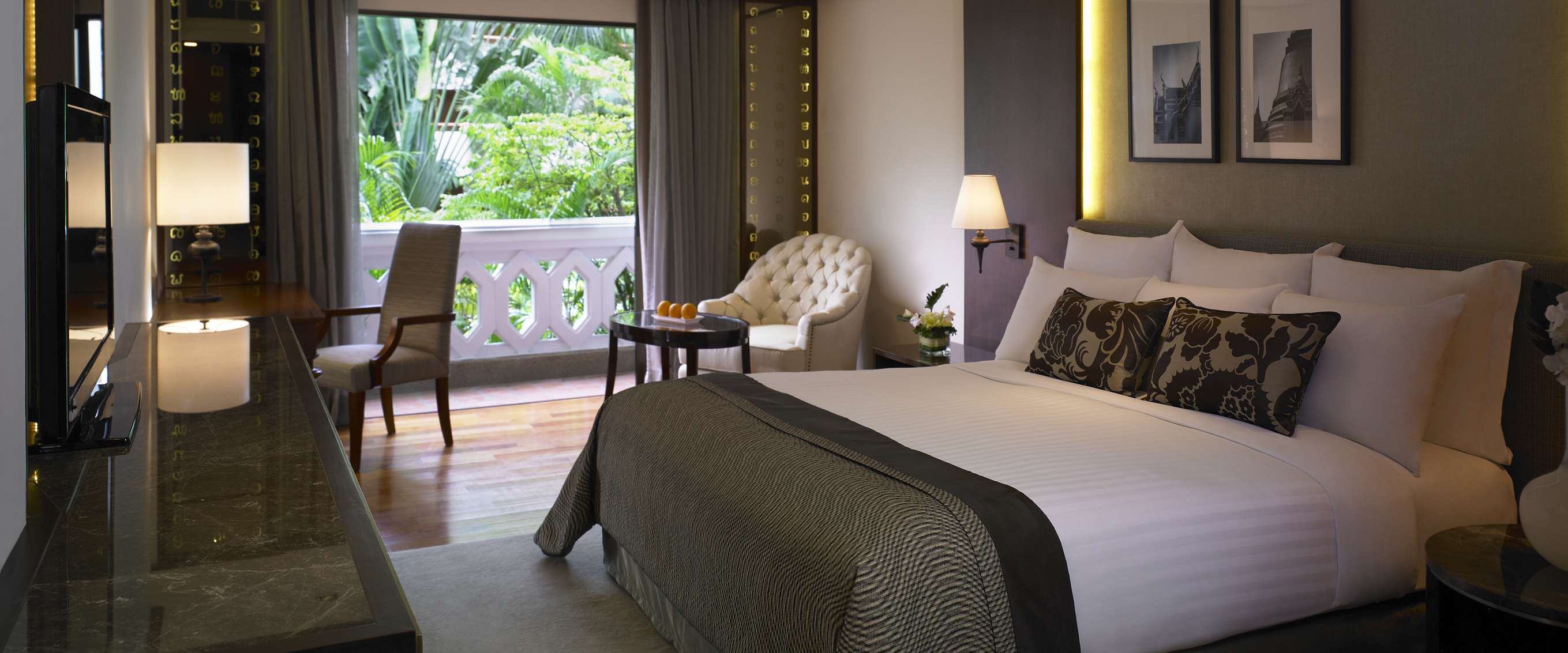 Deluxe_Room_Anantara_Bangkok