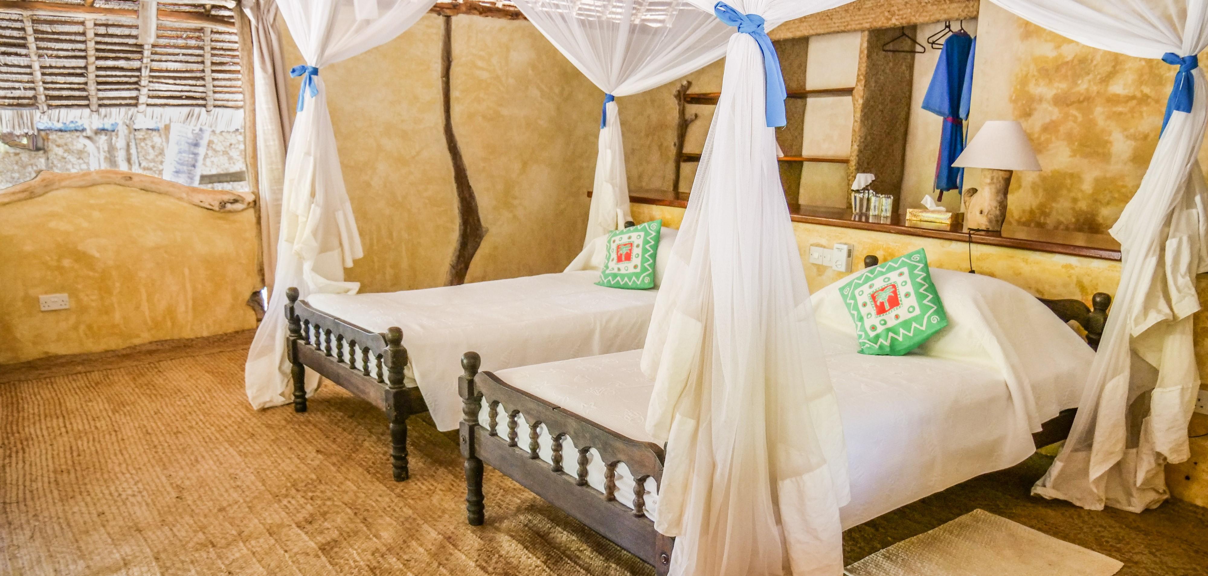 manda-bay-lodge-garden-view-twin-bedroom