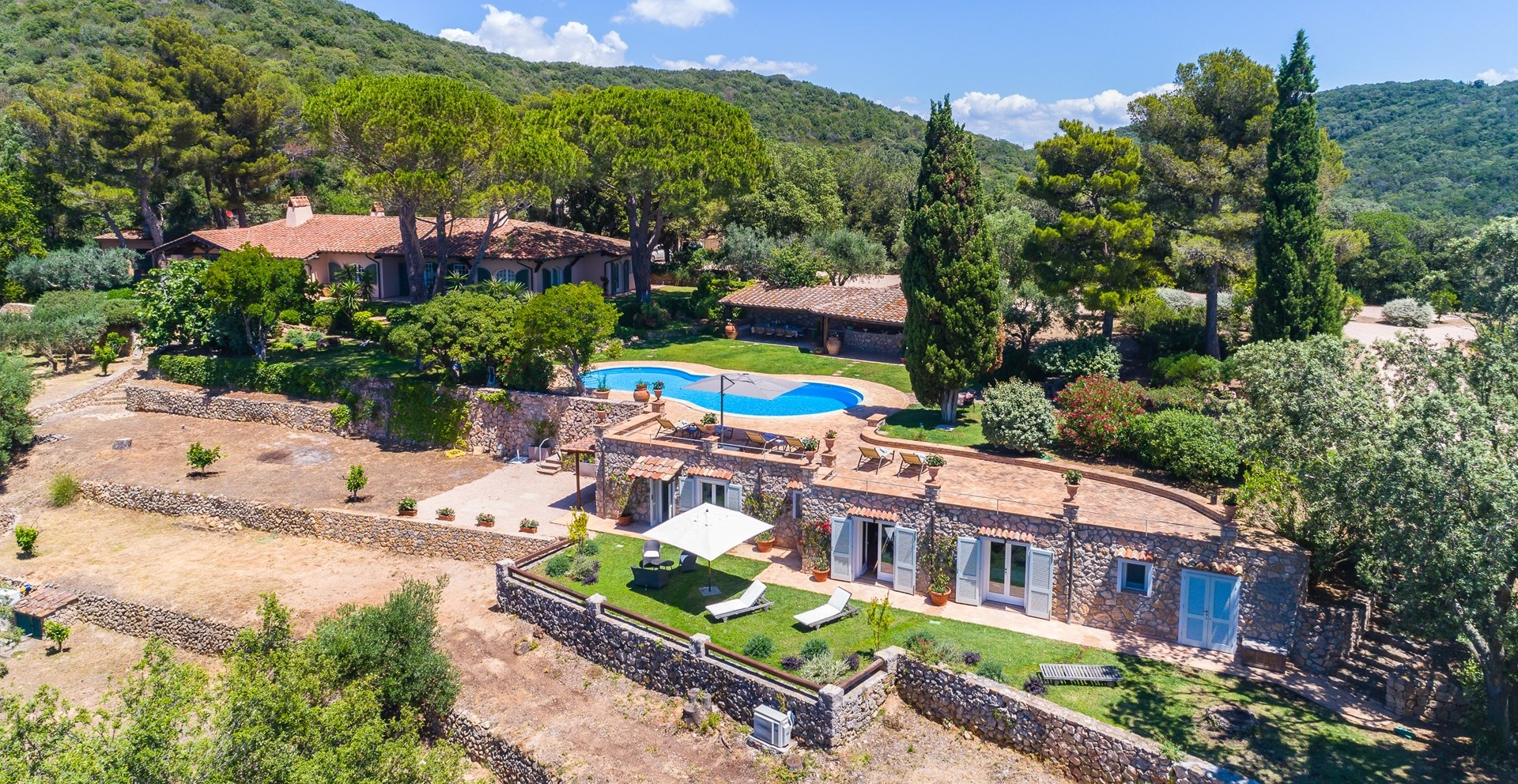 luxury-family-villa-holidays-tuscany