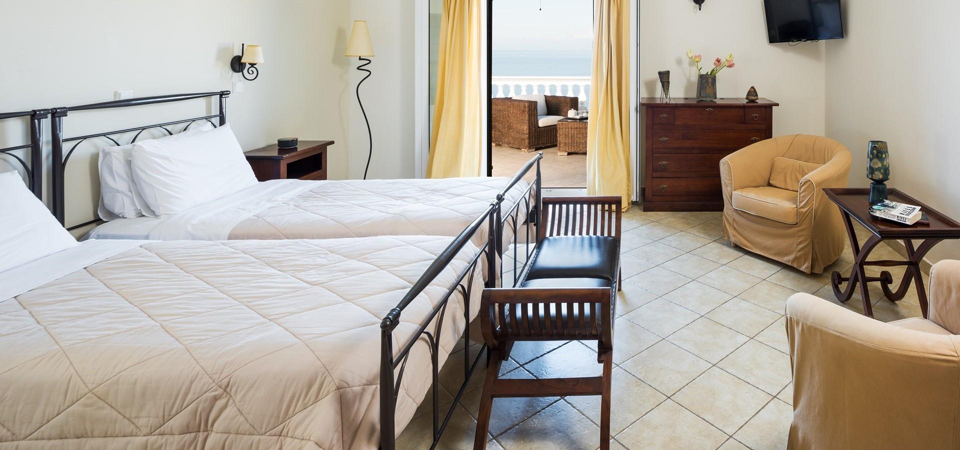 villa-aktea-twin-bedroom-1