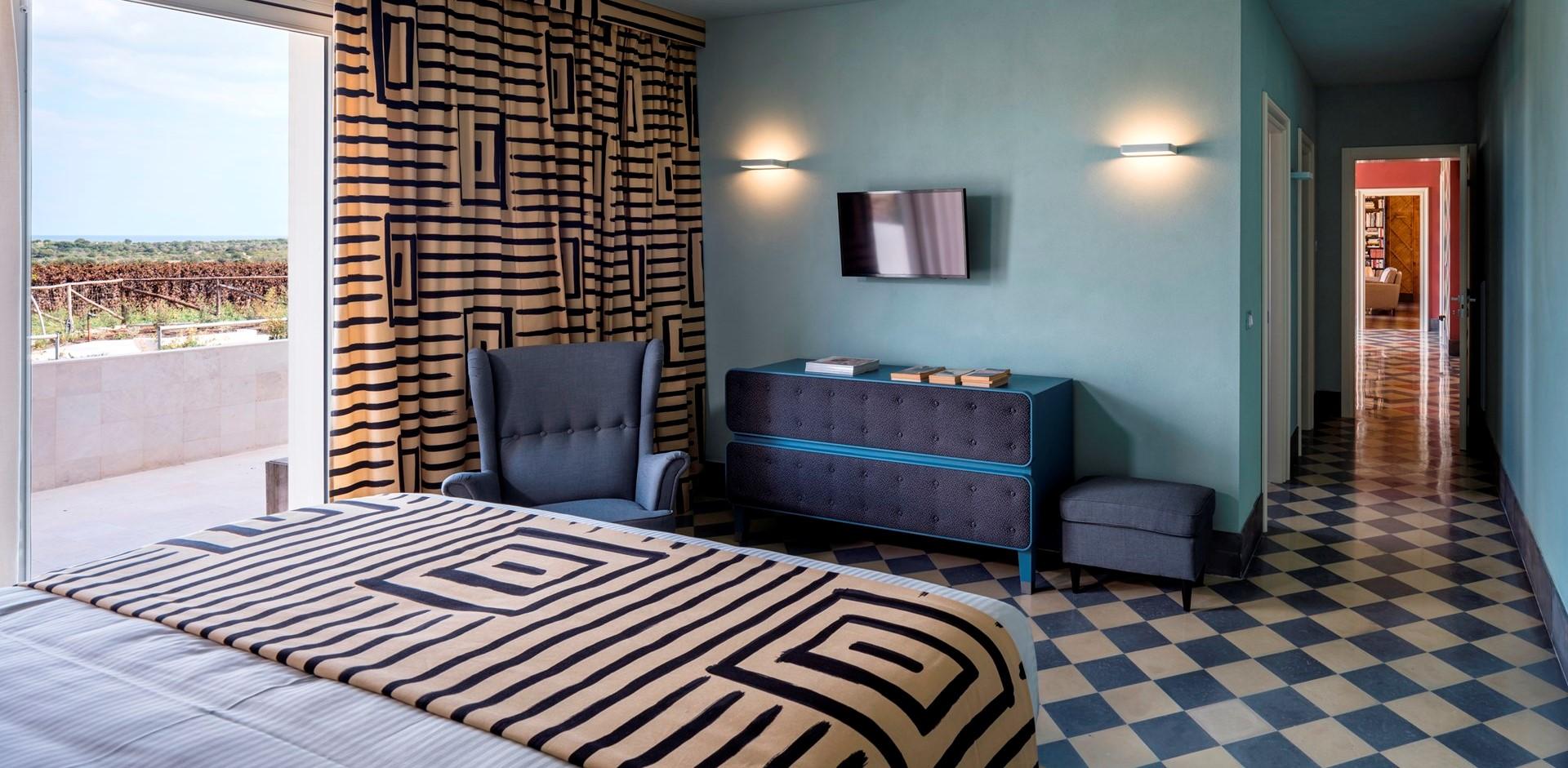 villa-dell-aquila-double-bedroom-1