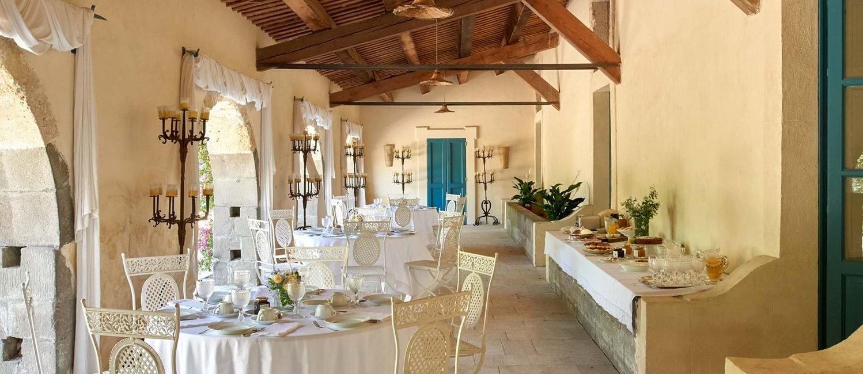 villa-la-dimora-breakfast-terrace