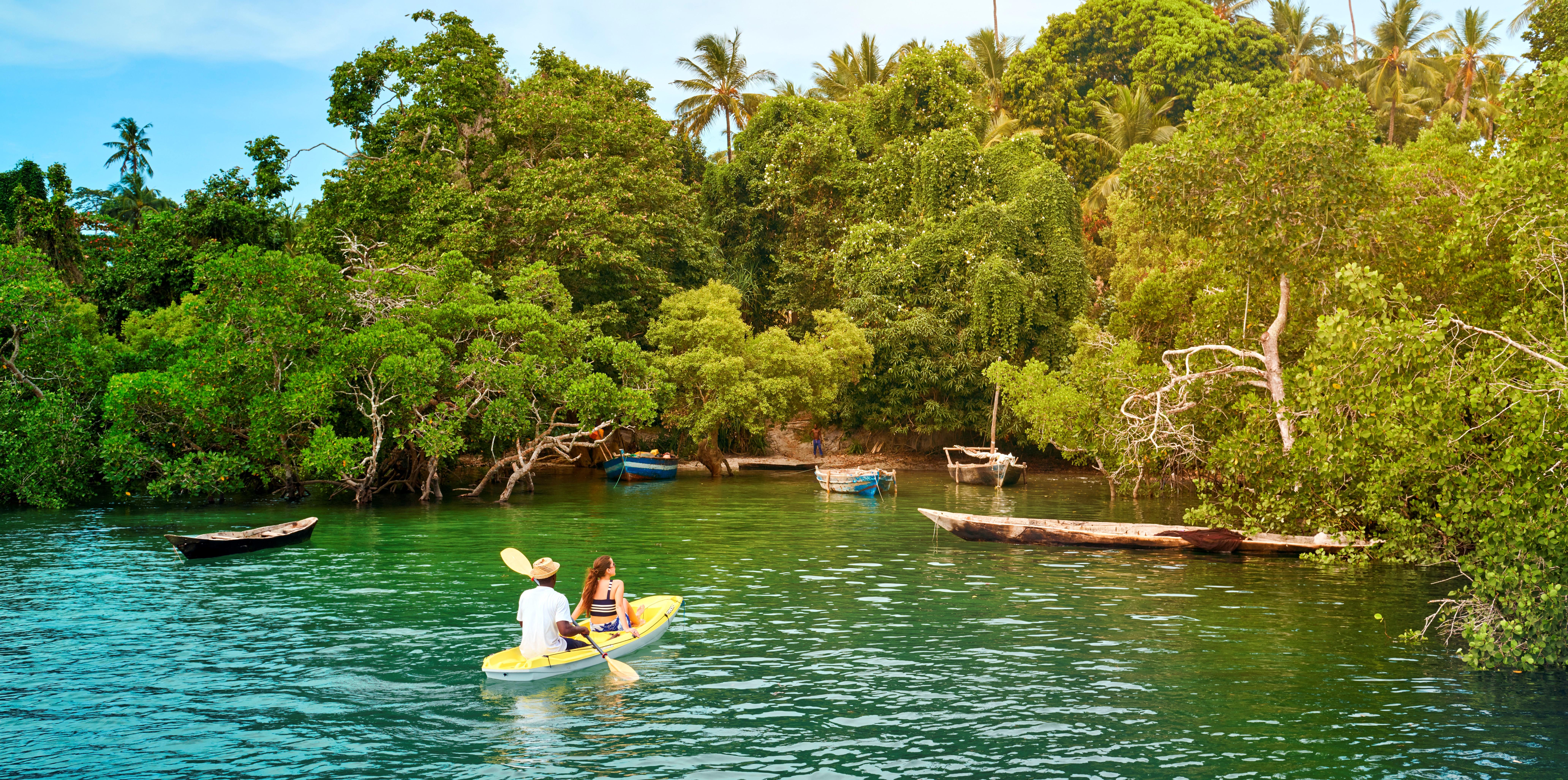Constance-Aiyana-Pemba-kayaking