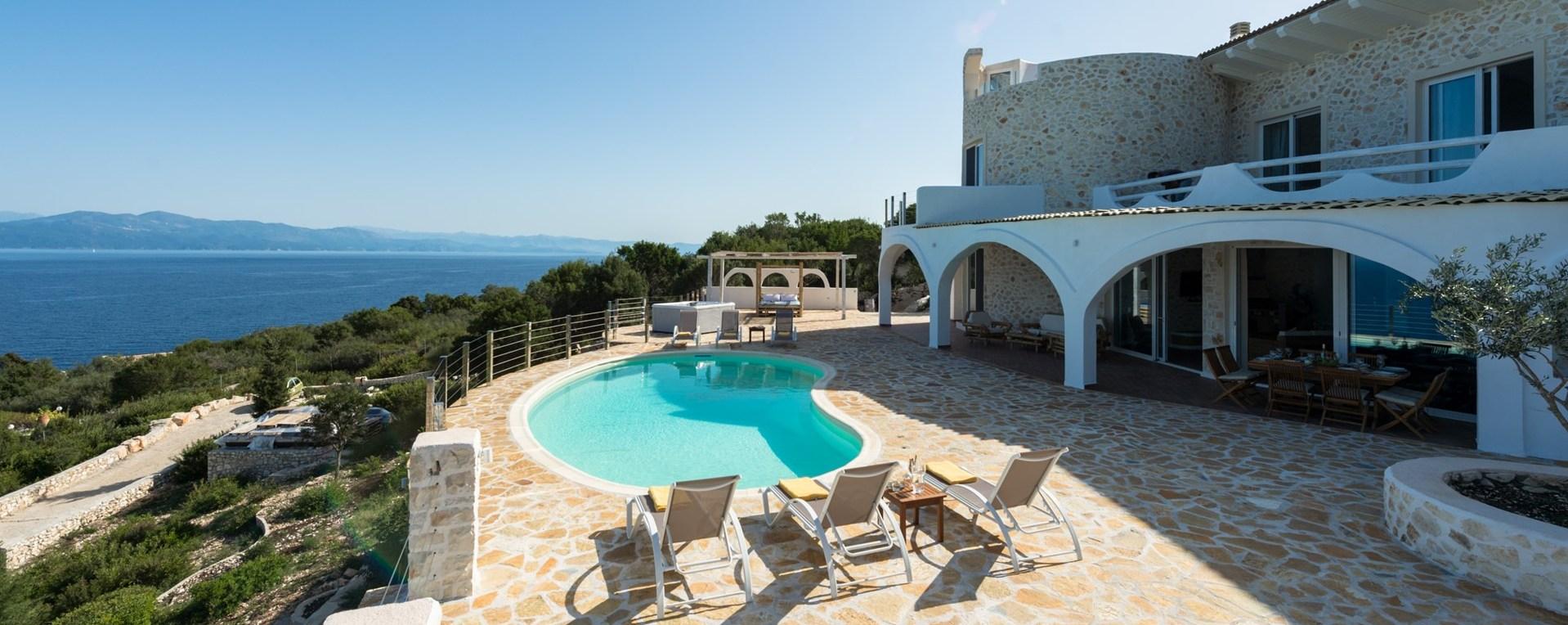 6-bed-family-pool-villa-paxos