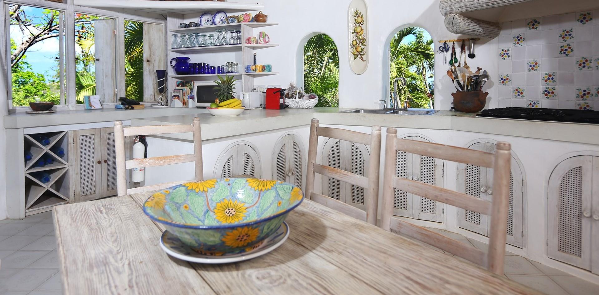 smugglers-nest-villa-kitchen