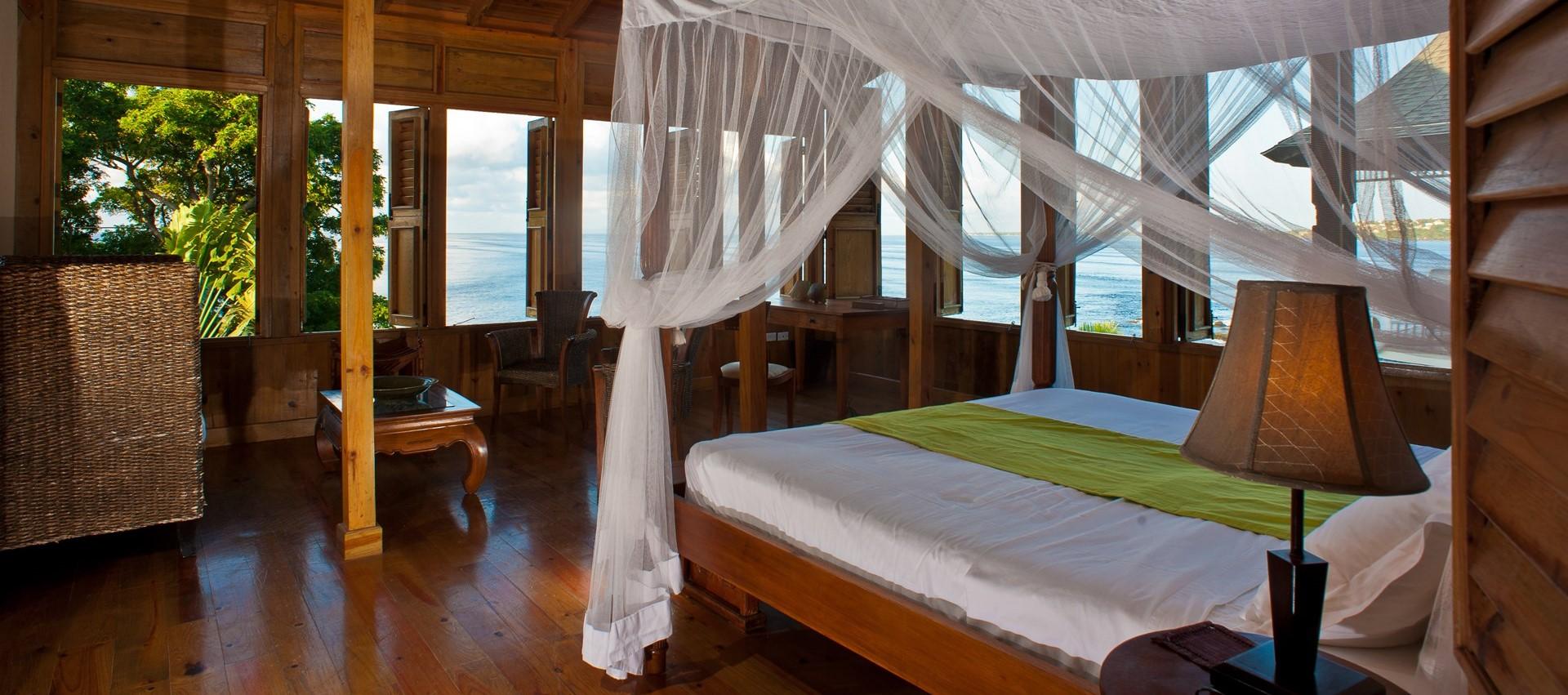 villa-ohana-tobago-master-bedroom