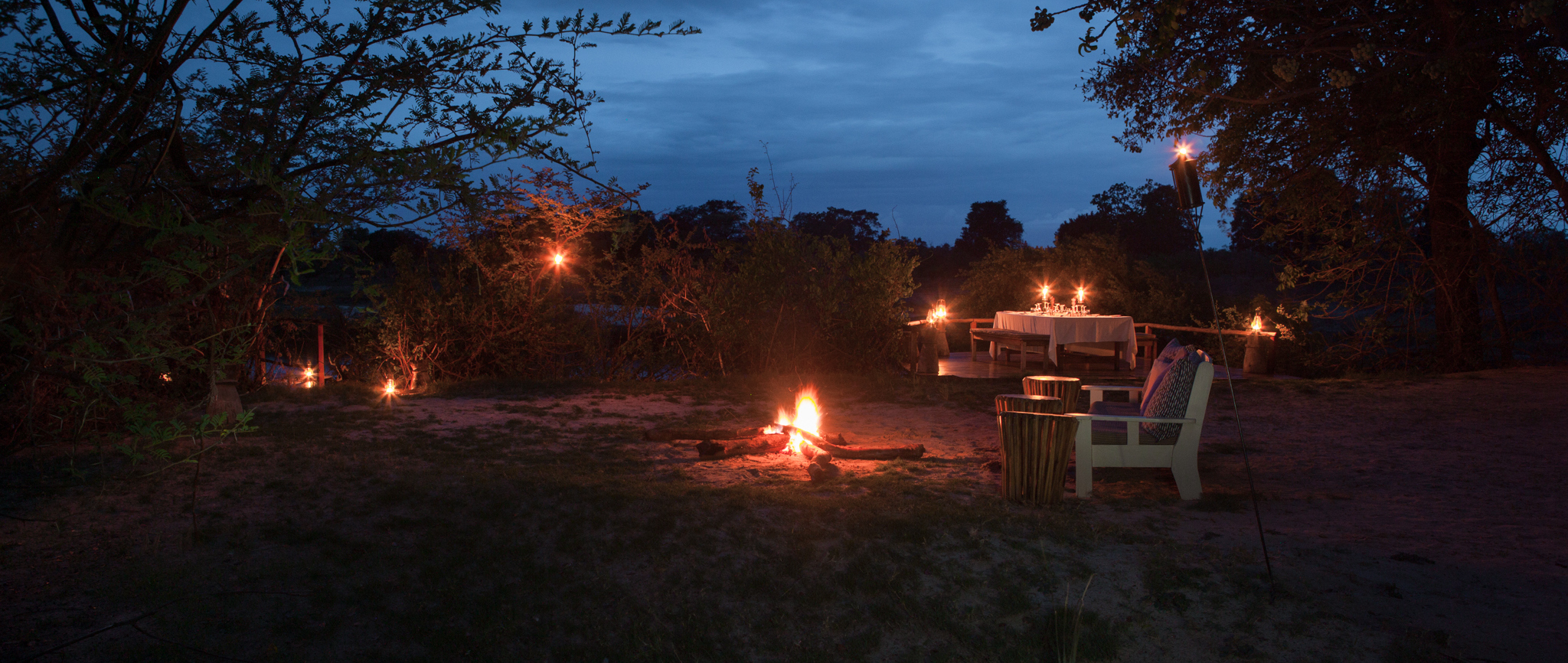 sindabezi-island-camp-fire