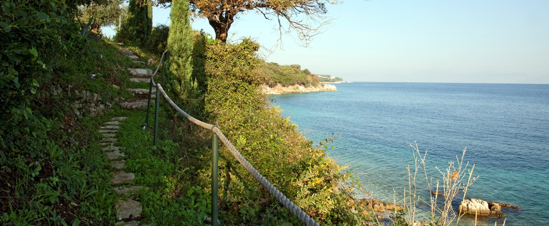 villa-amarea-path-to-beach