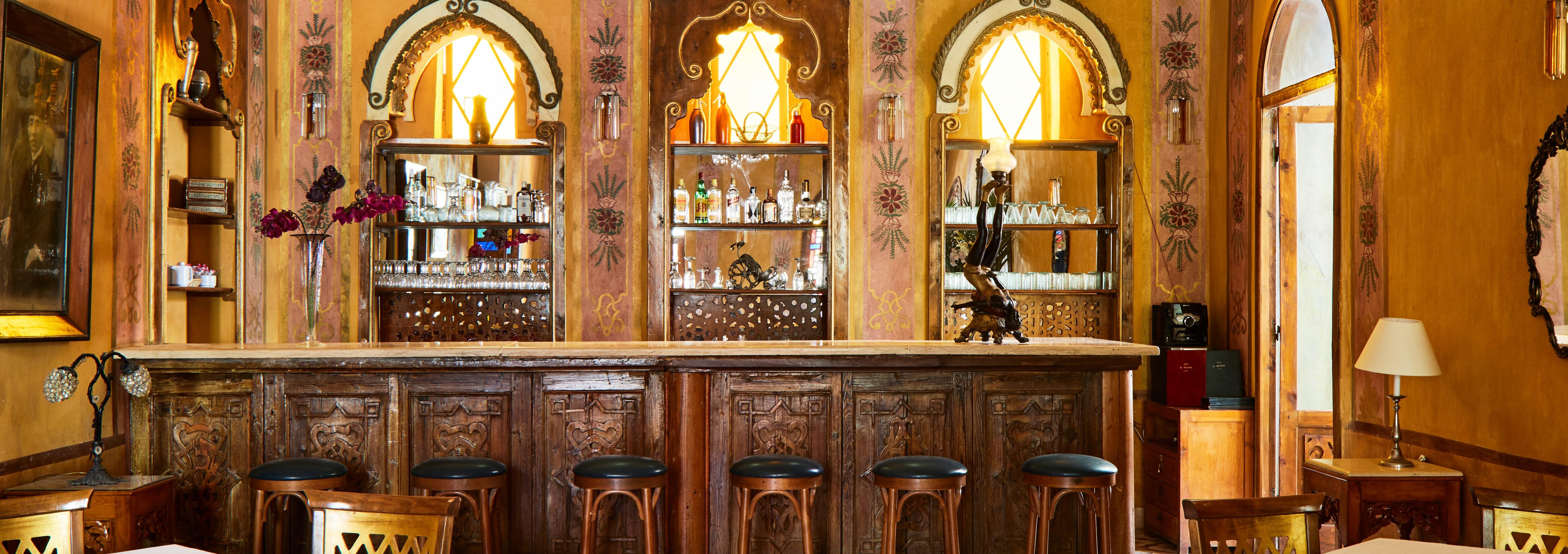 al-moudira-hotel-bar