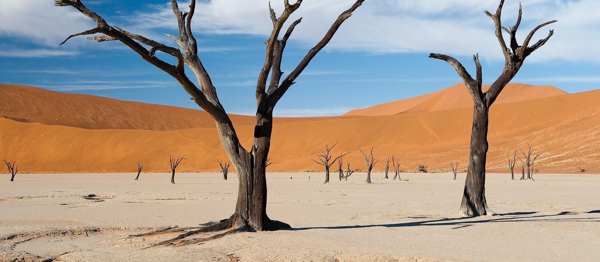 Sossusvlei-desert-landscape-namibia