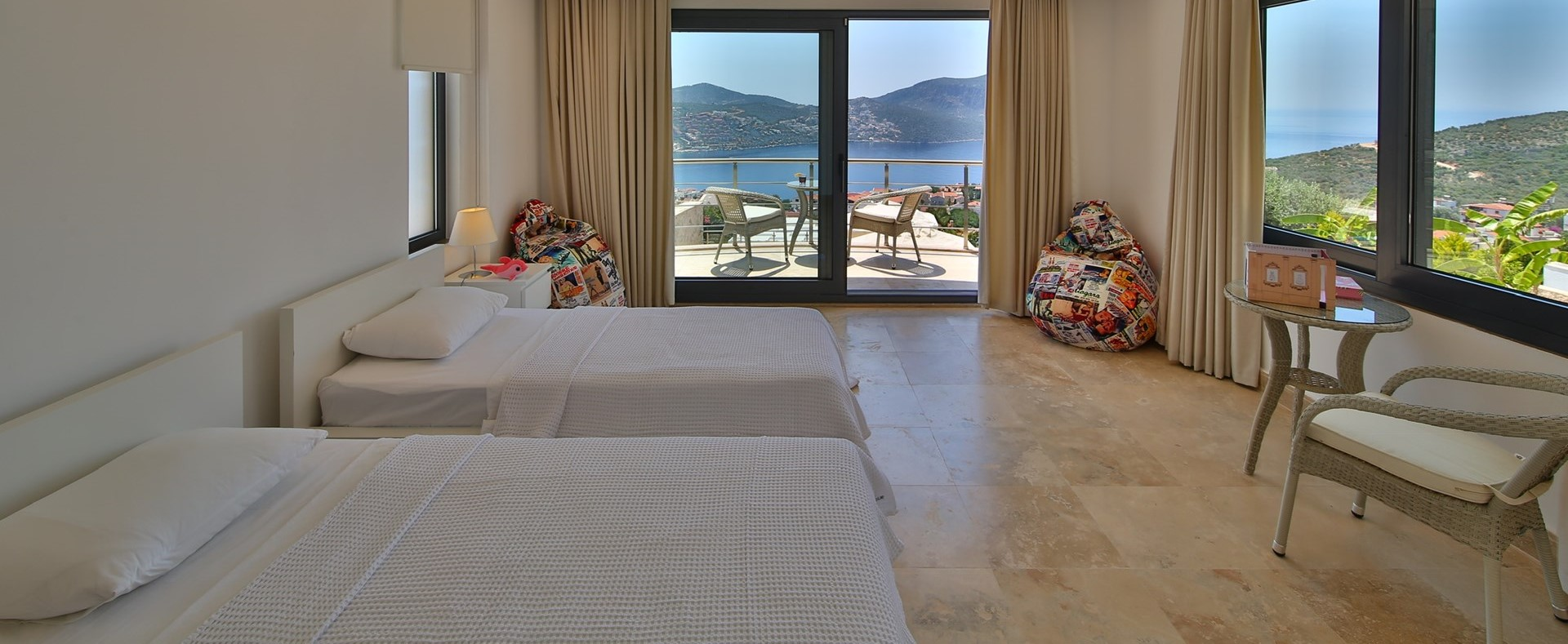 villa-ecrin-kalkan-twin-bedroom-1