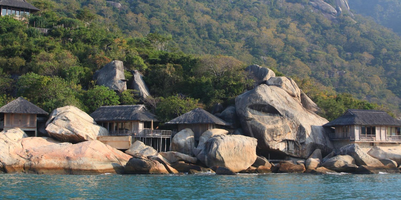 six-senses-ninh-van-bay-rock-villa