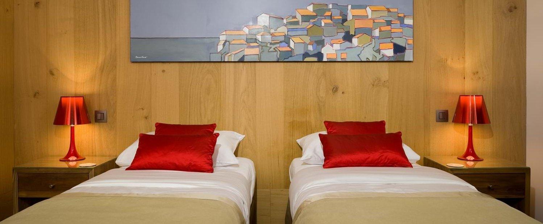 villa-mare-e-monte-twin-bedroom-1