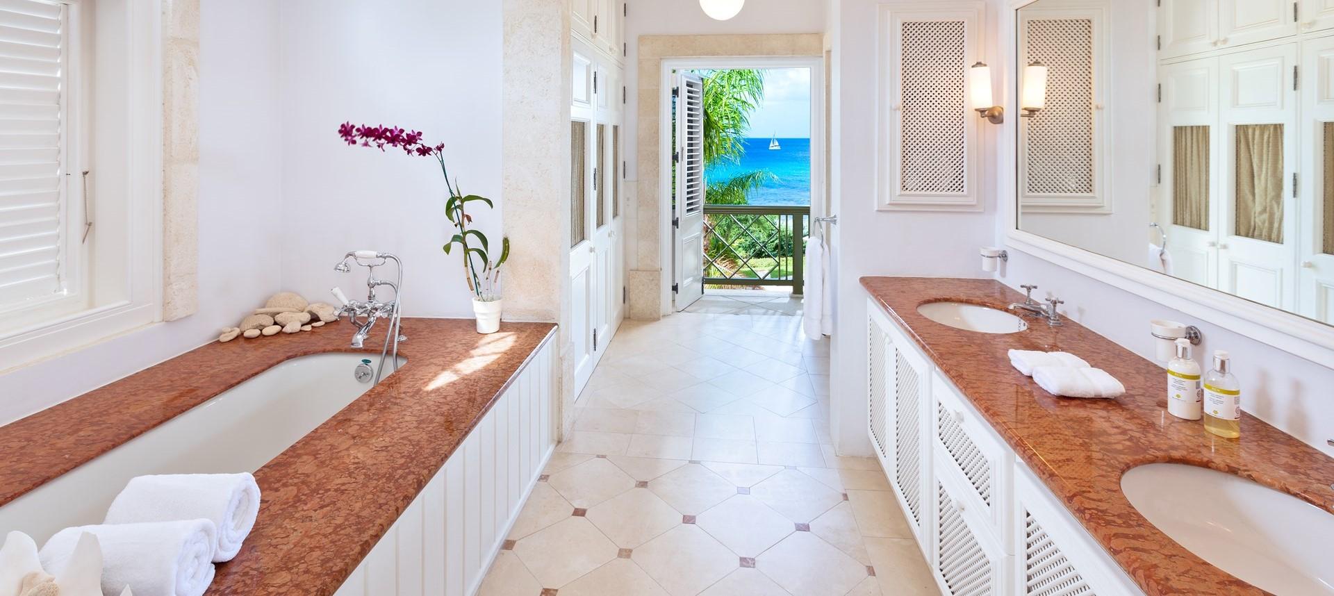 villa-gardenia-master-suite-bathroom