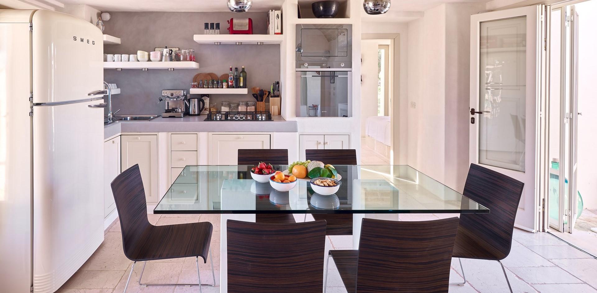 villa-verbena-puglia-kitchen