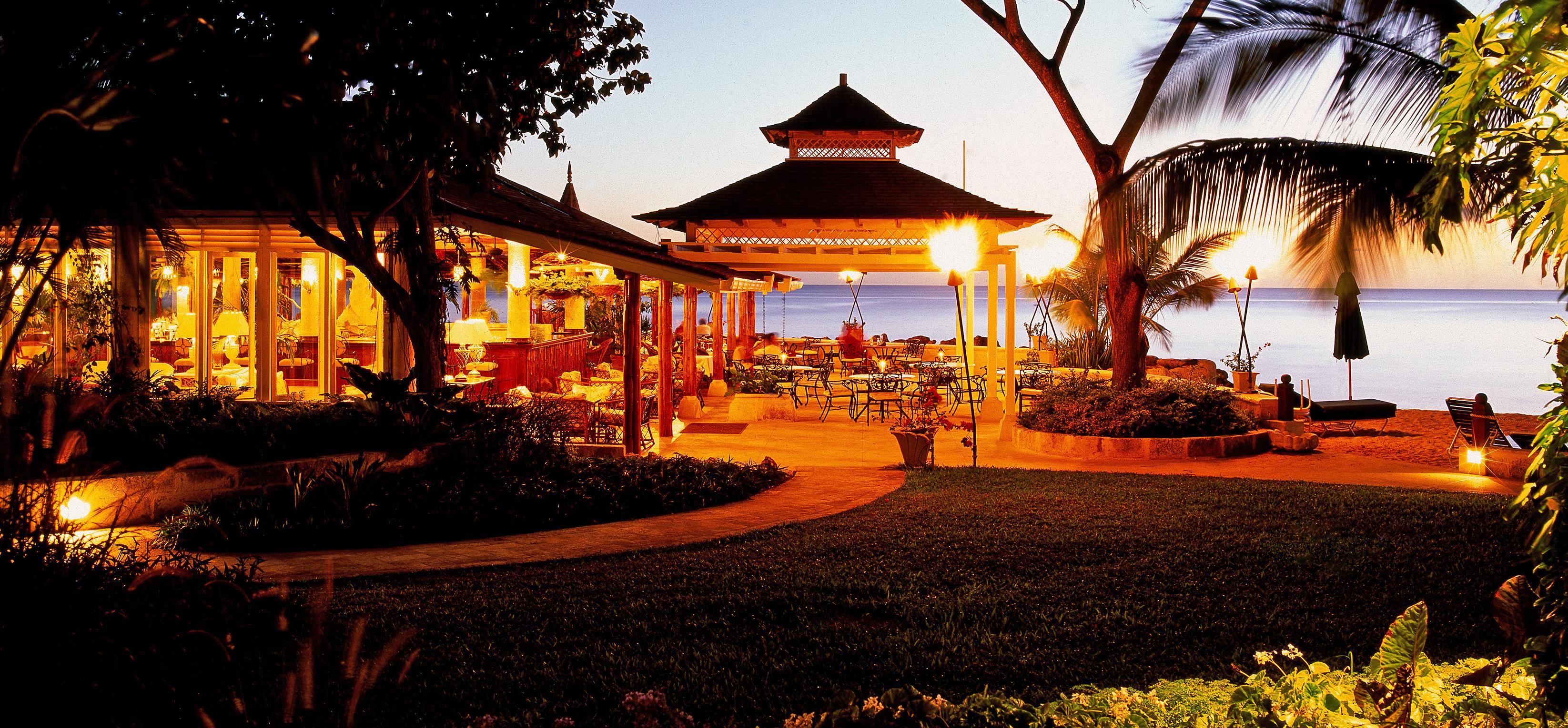 coral-reef-club-restaurant-exterior