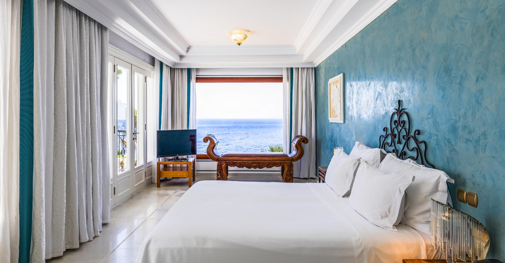 danai-villa-seaview-bedroom