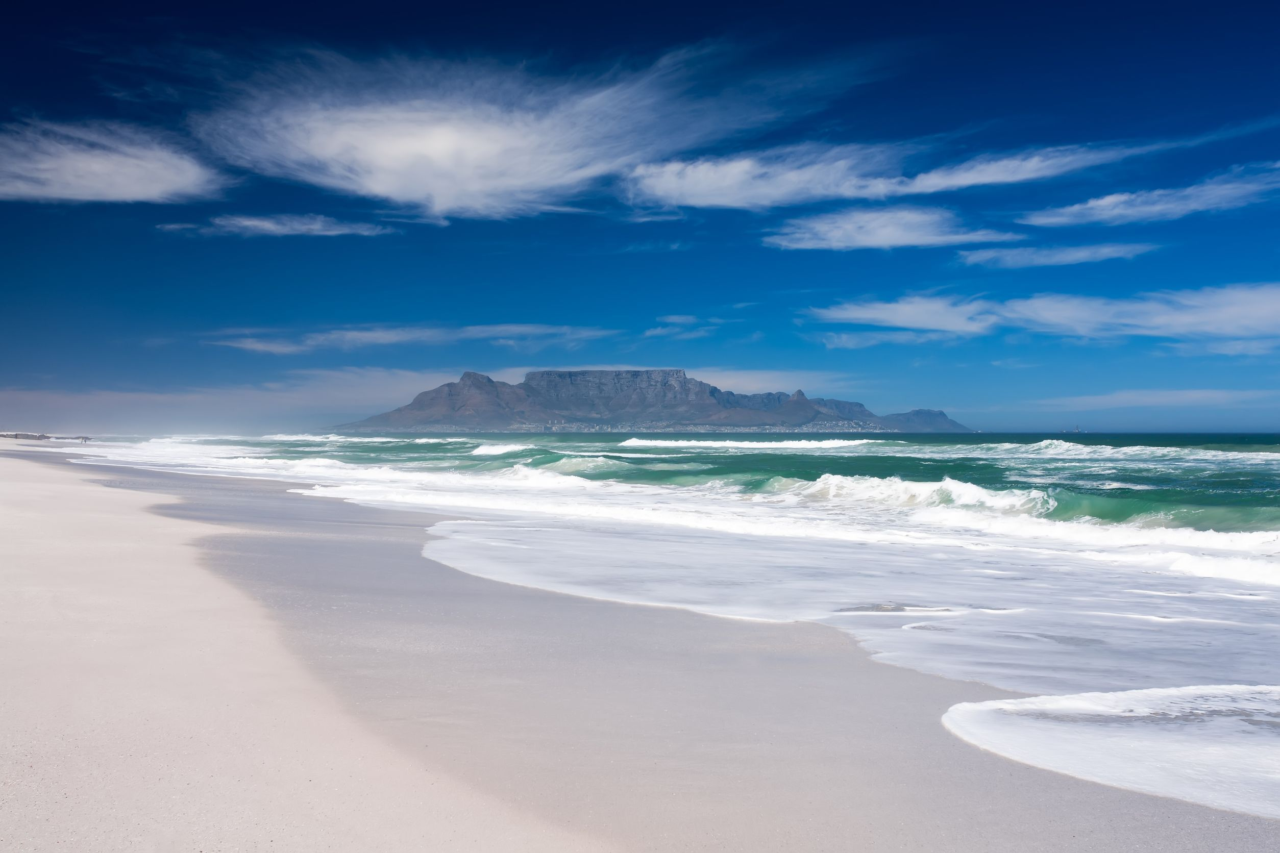 beach-view-of-table-mountain
