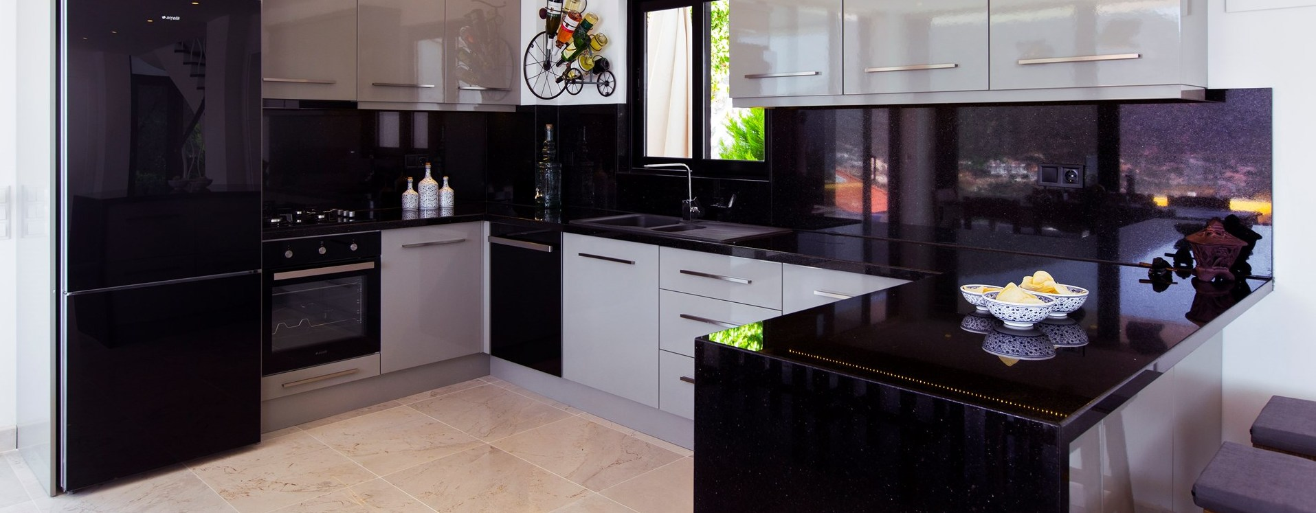 villa-kalamar-modern-kitchen