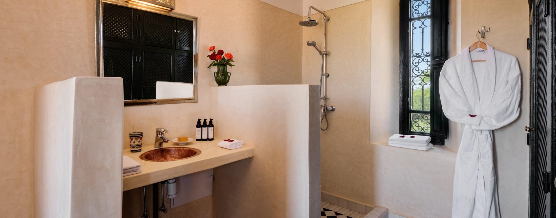 Tadelakt-shower-room