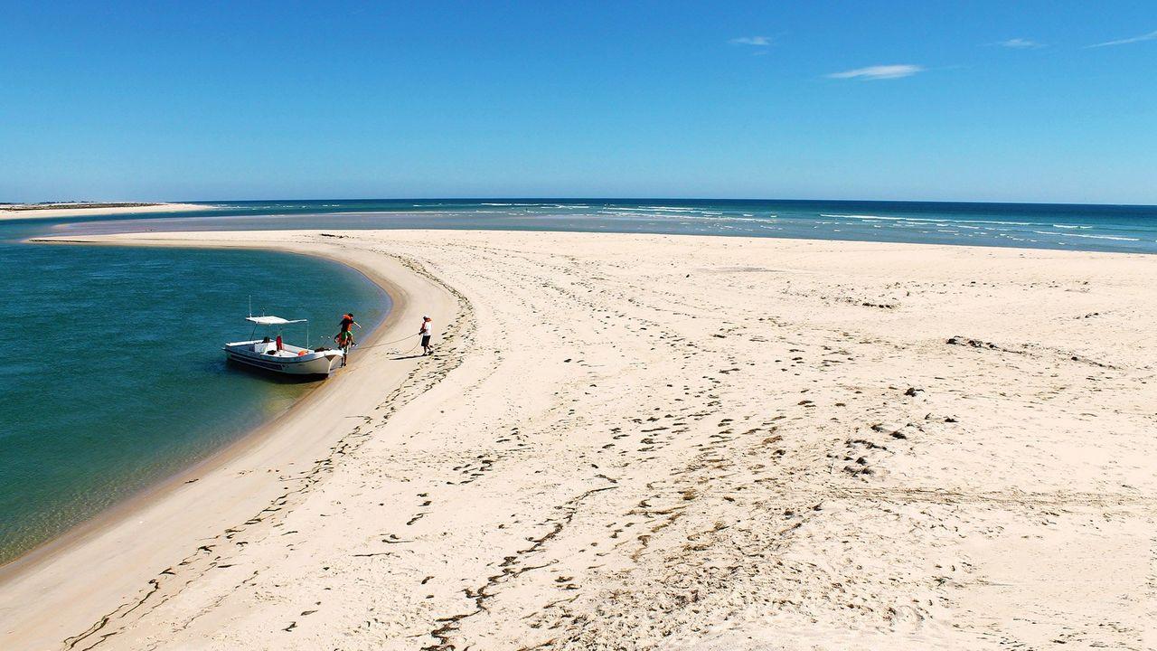 fuseta-barranova-beach-algarve