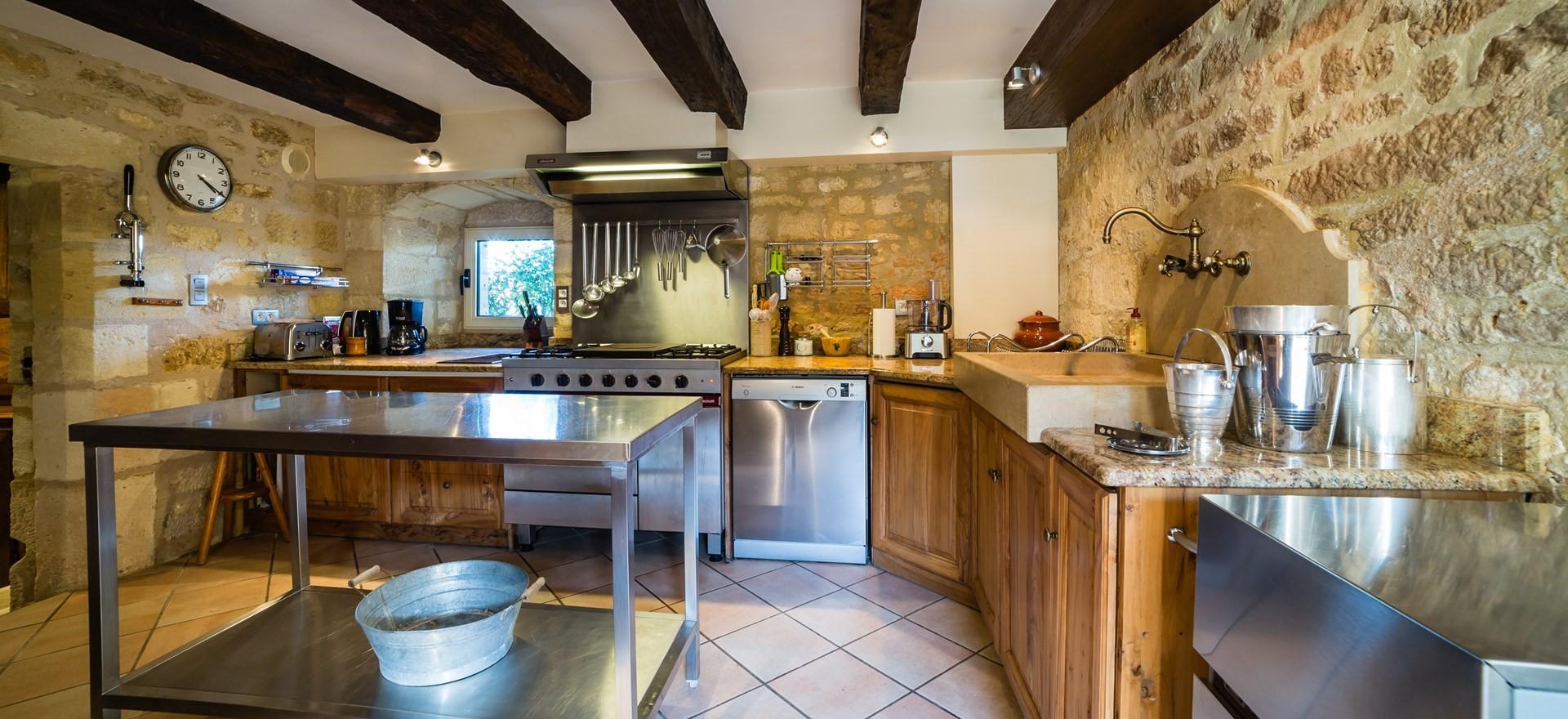 villa-le-village-second-kitchen