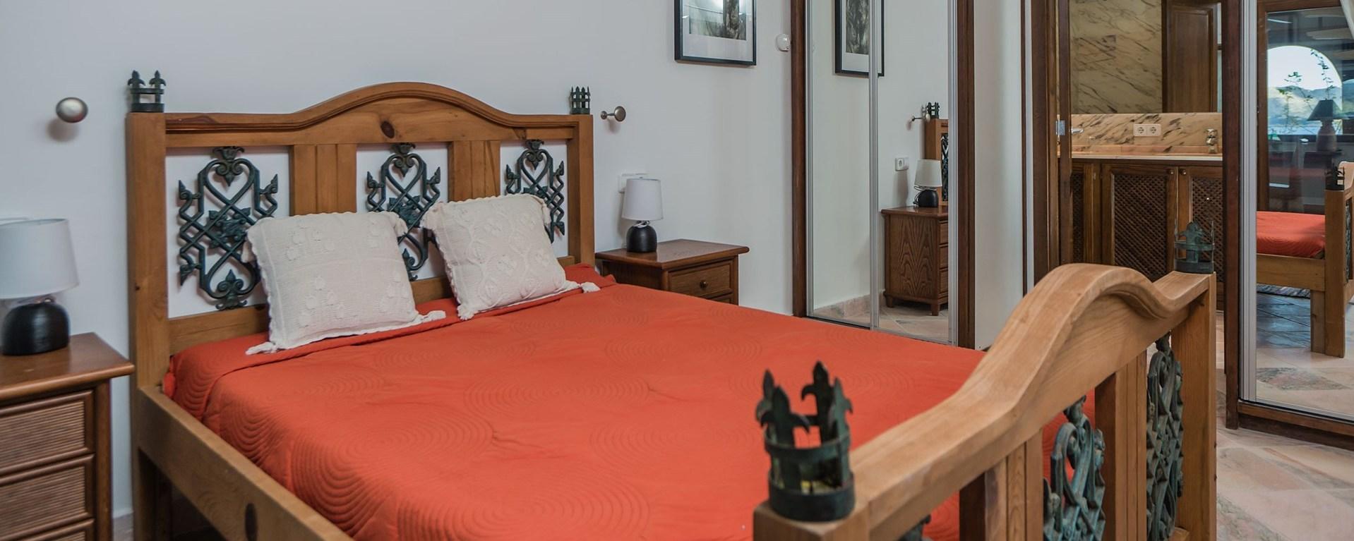 el-mirador-double-bedroom-3