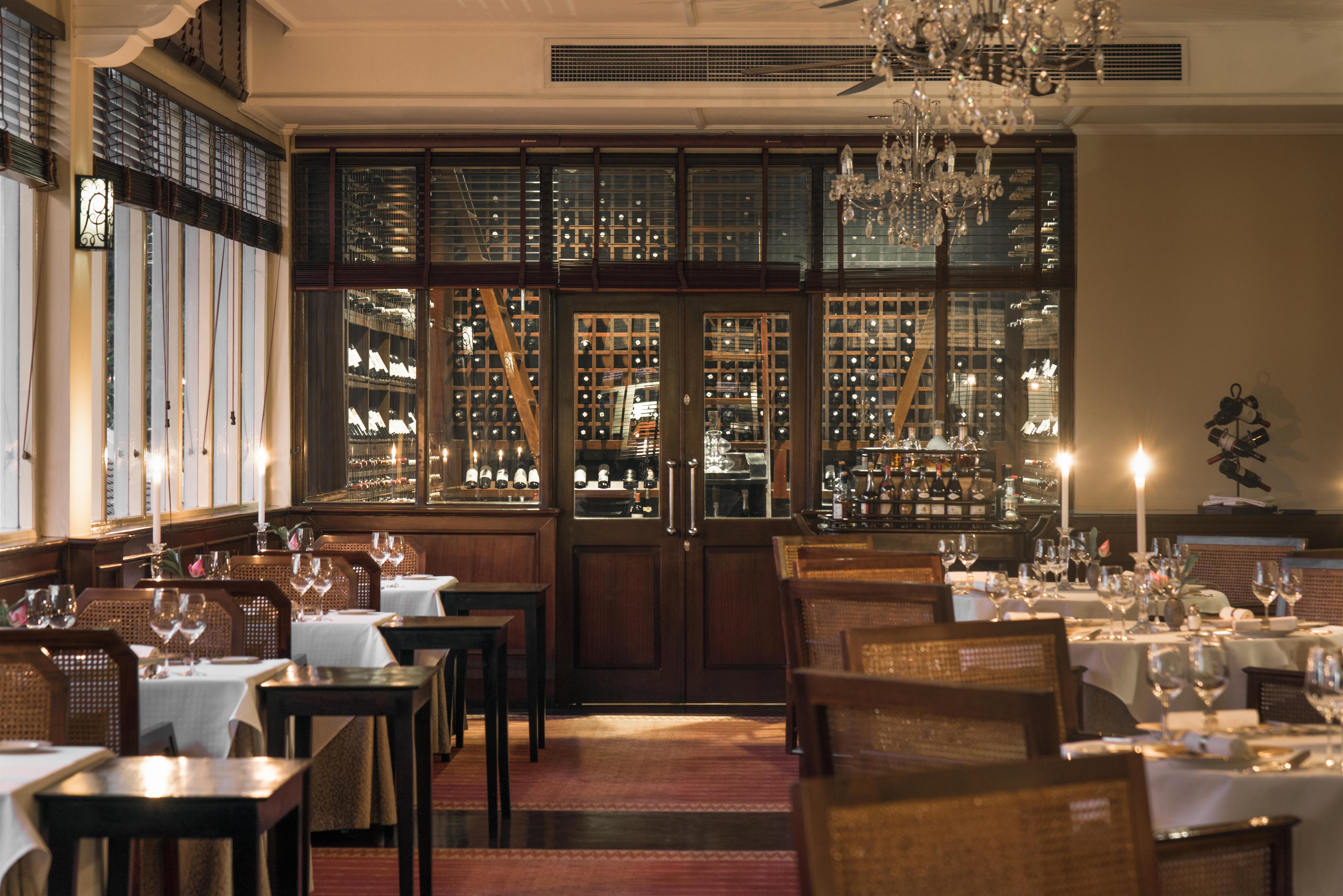 restaurant-raffles-grand-hotel