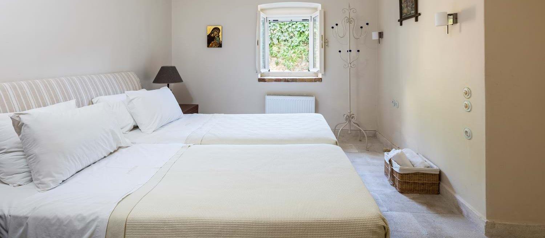 villa-archontiko-double-bedroom-5
