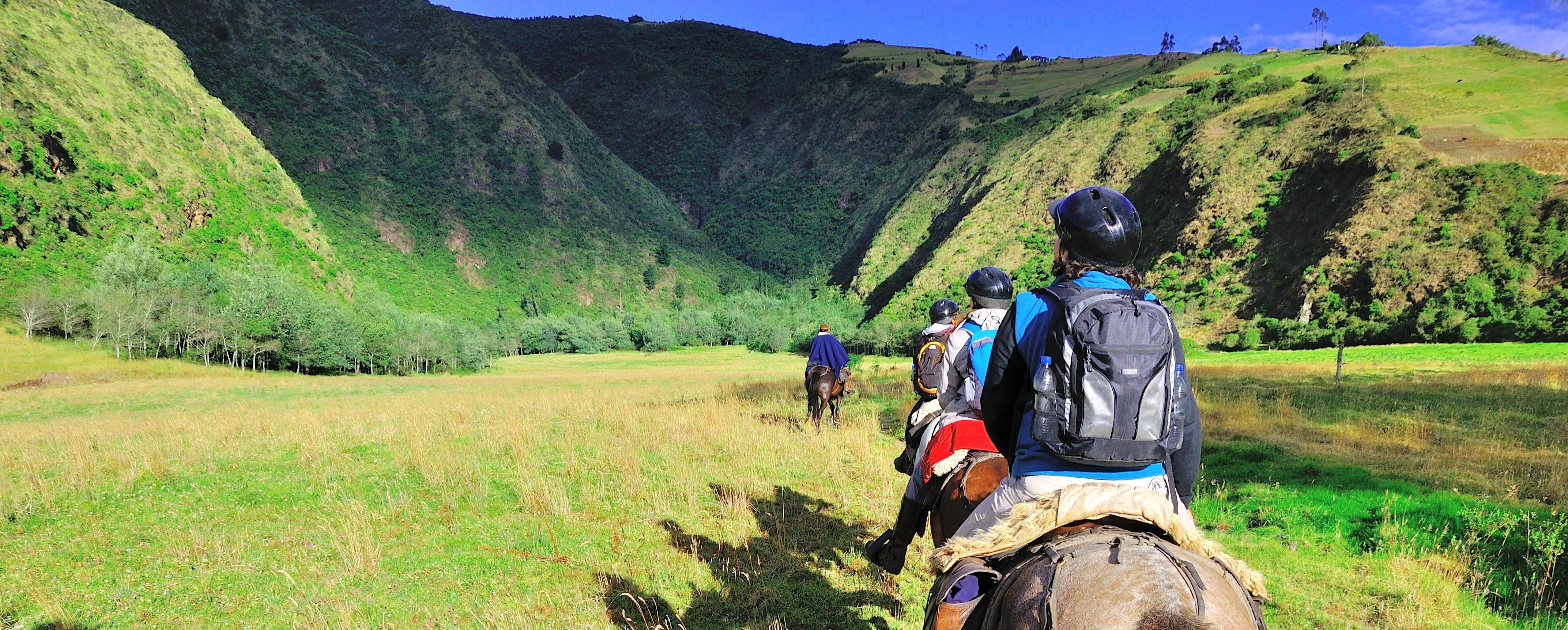 horse-riding-otavalo-ecuador