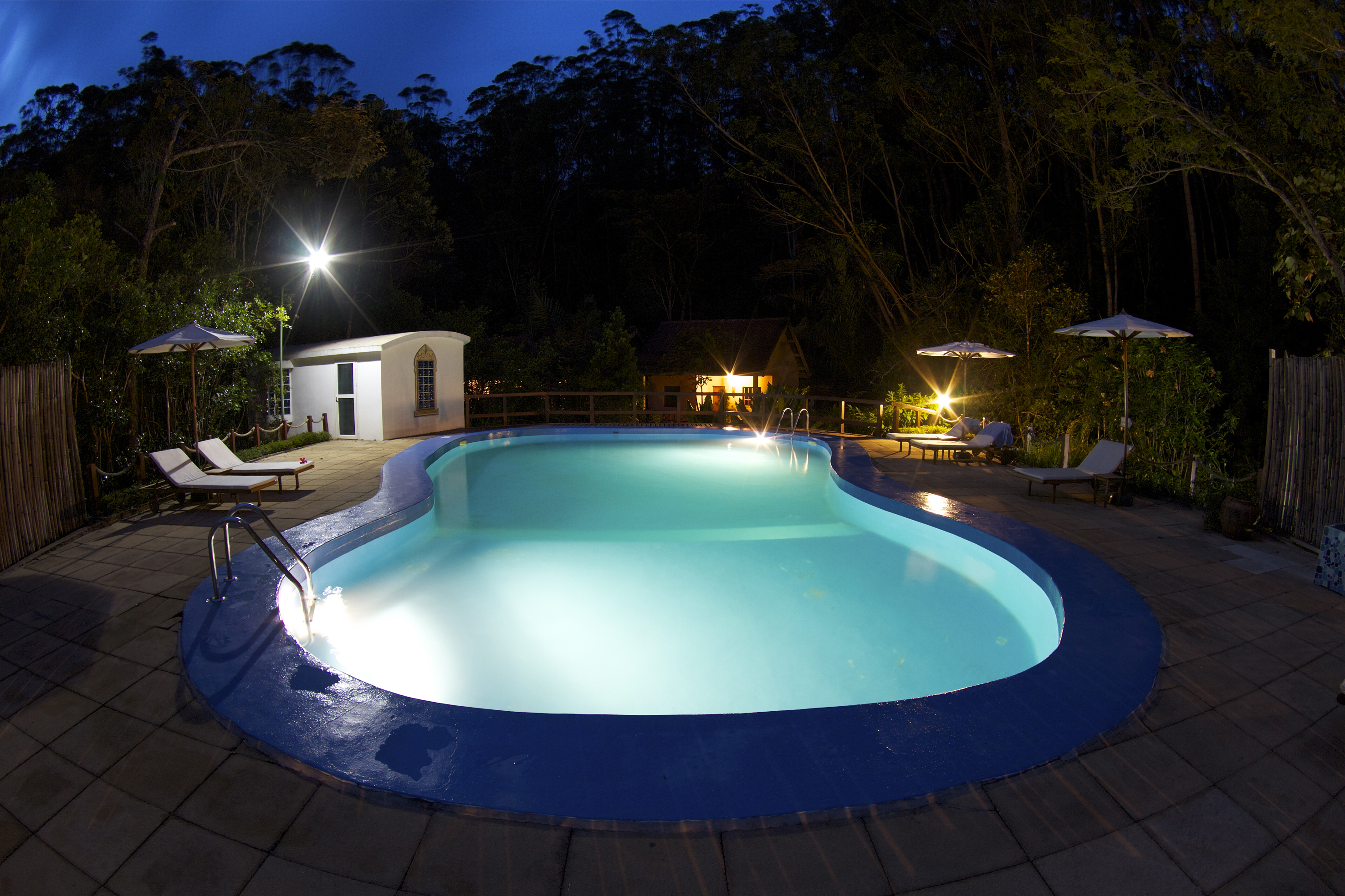 vakona-forest-lodge-pool-night