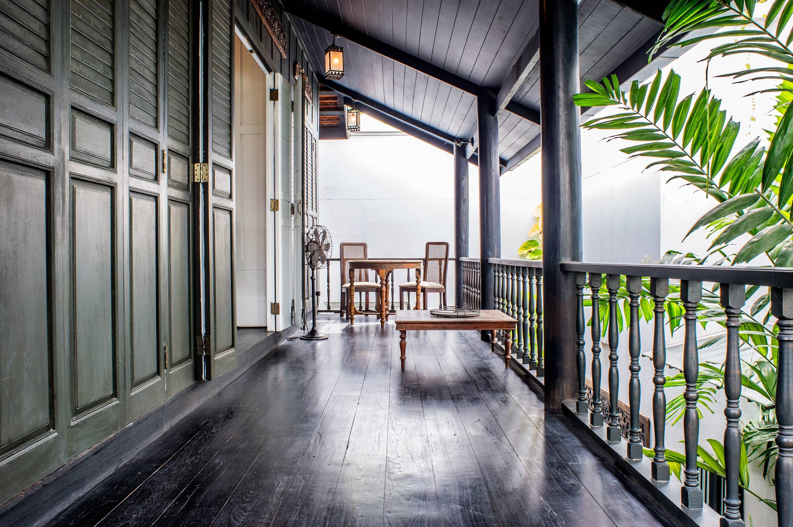teak-walkway-connies-cottage