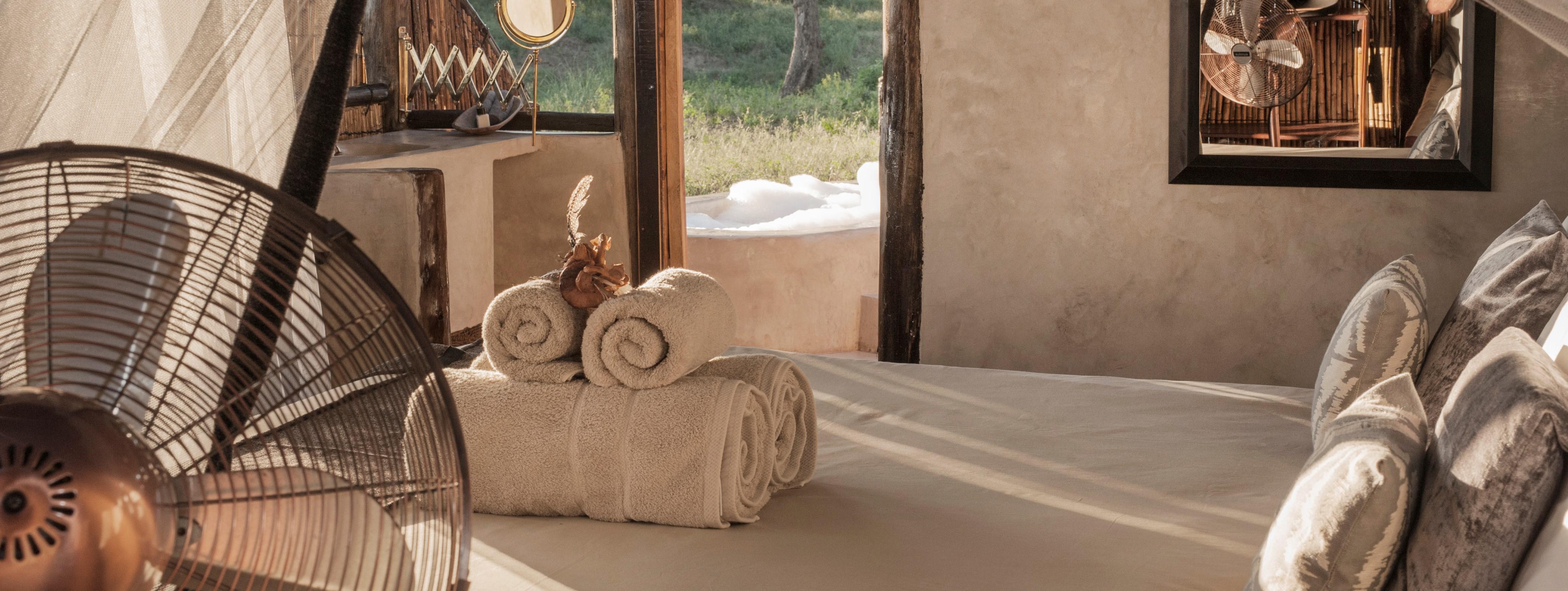 old-mondoro-lower-zambezi-tent-bedroom