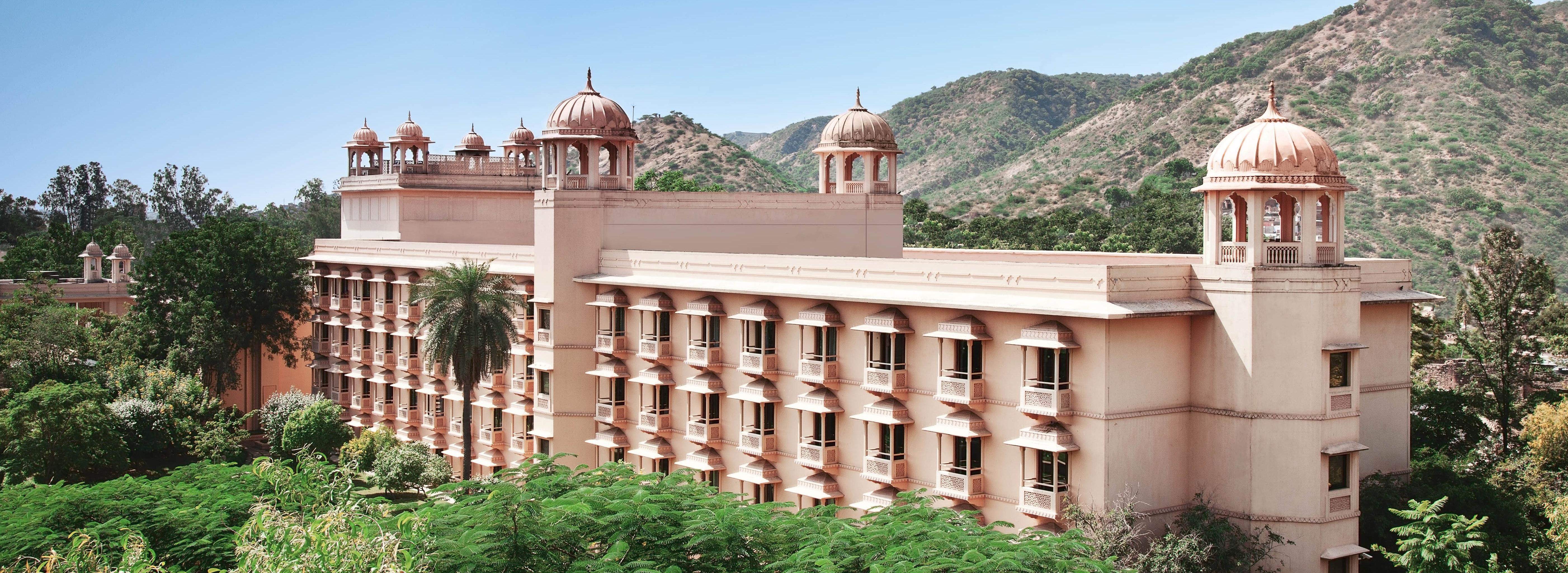 trident-jaipur-facade