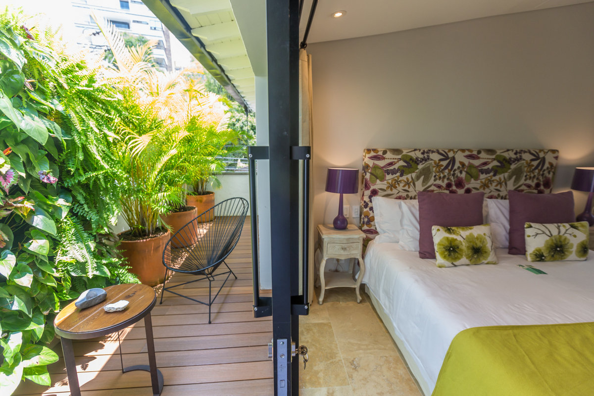 Patio-del-Mundo-bedroom-terrace
