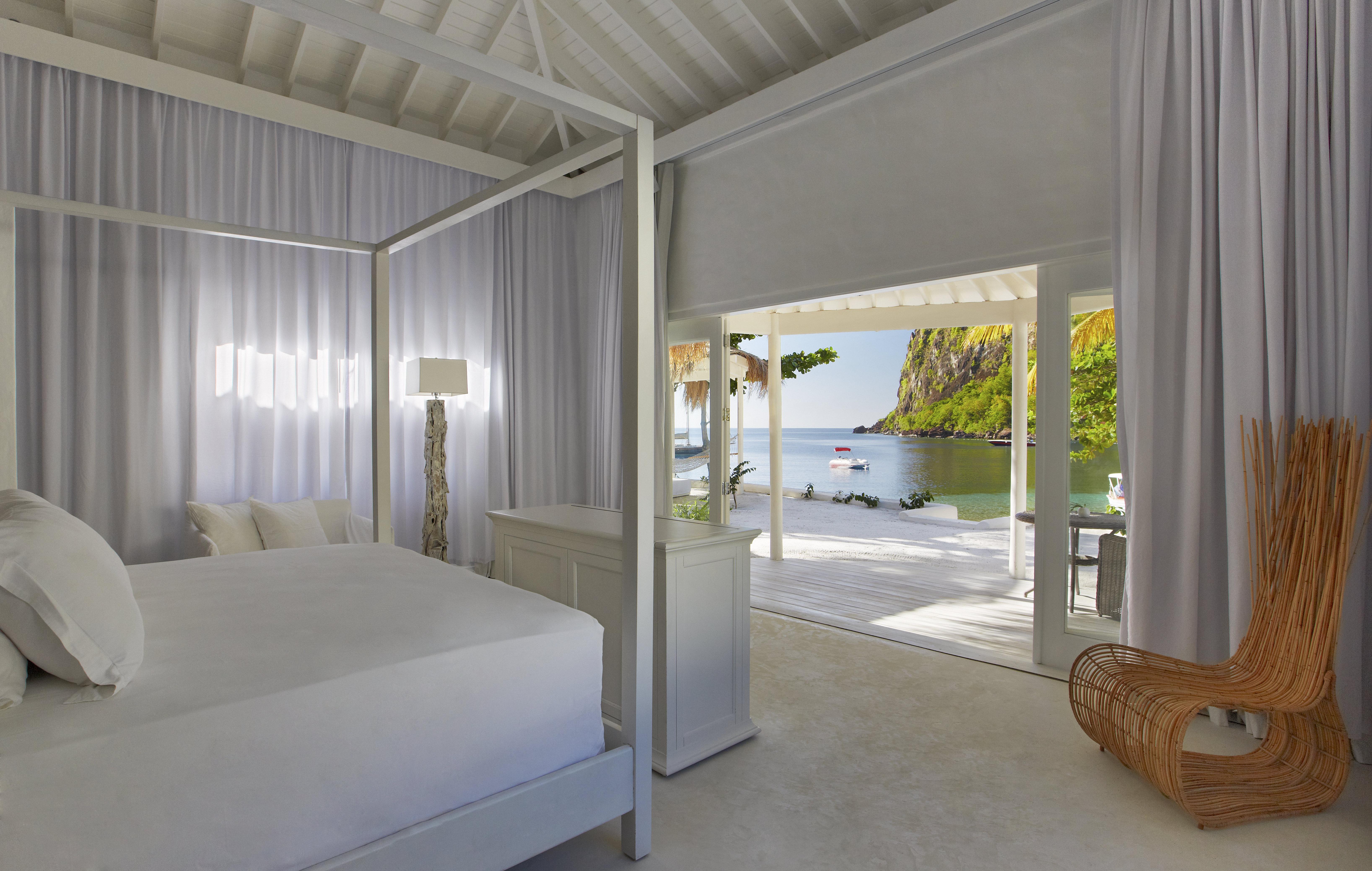 Luxury Beachfront Bungalow 2