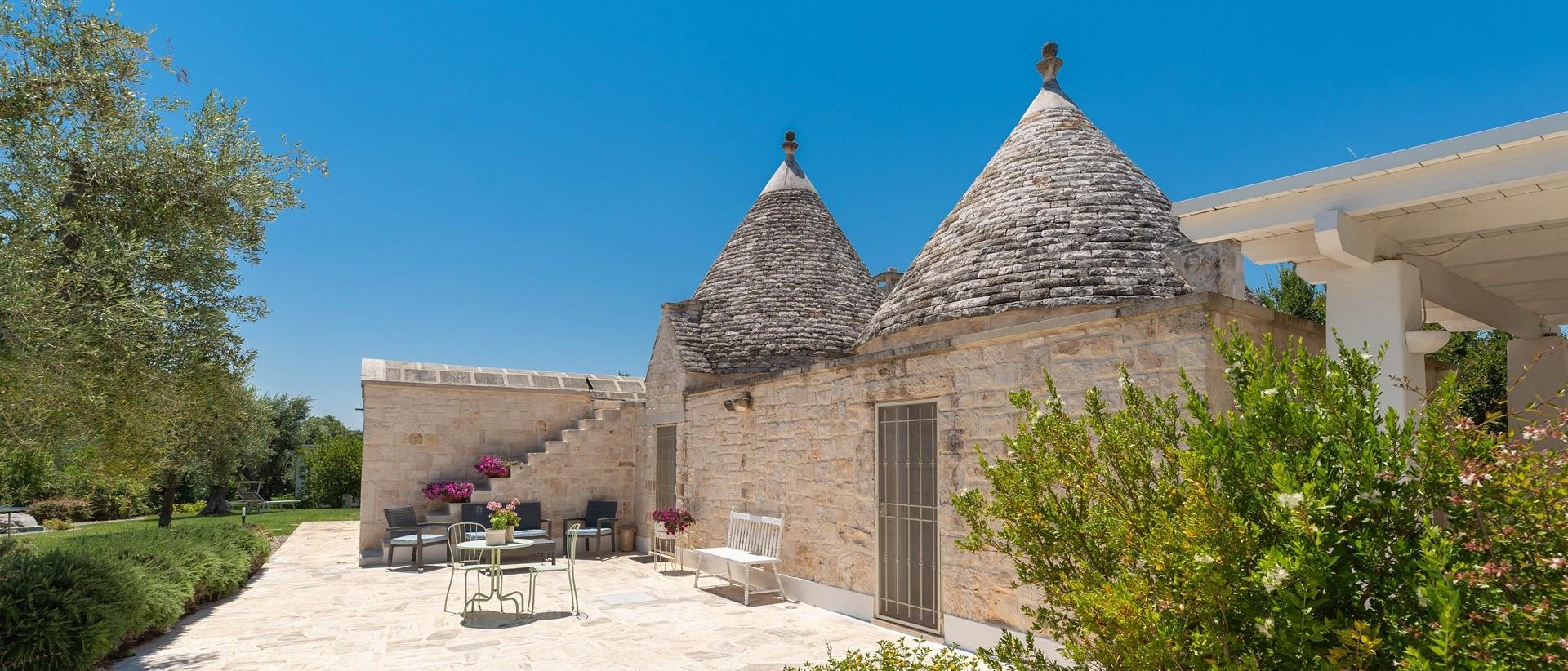 villa-giu-al-trullo-sun-terrace